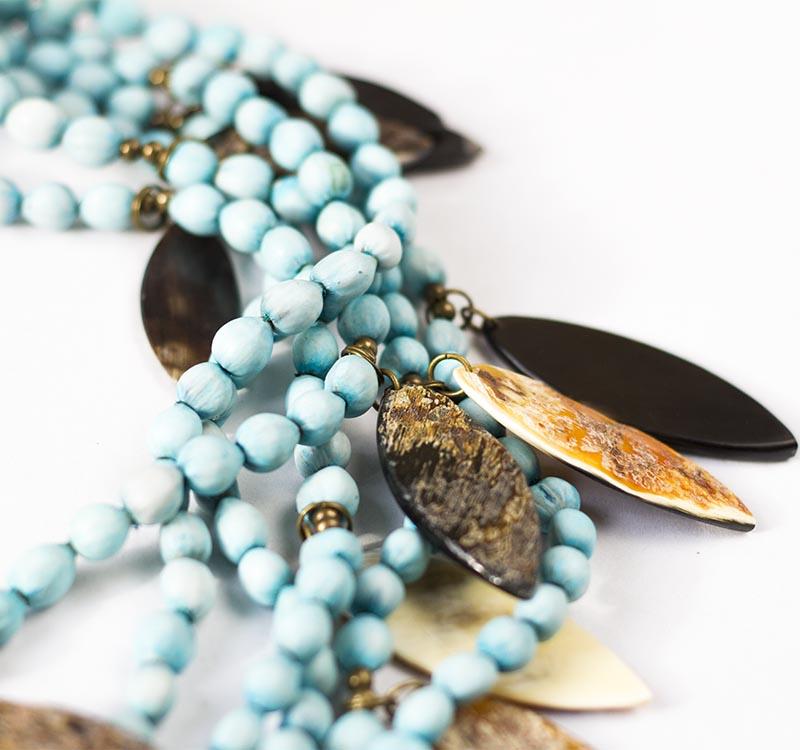 Collier bleu multirang style bohème